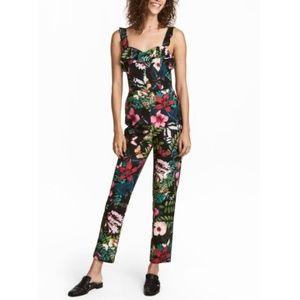 🌺 Black Floral V-Neck Jumpsuit